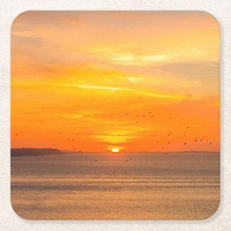 Côte de coucher du soleil avec Sun orange et Dessous-de-verre Carré En Papier