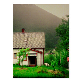 Cottage norvégien étrange carte postale