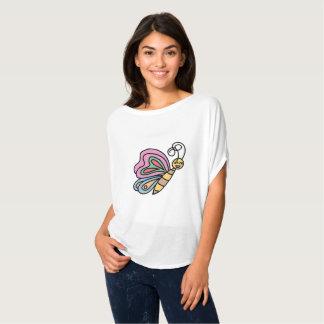 Cou de scoop inspiré par le T-shirt de papillons