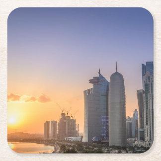Coucher du soleil au-dessus de la ville de Doha, Dessous-de-verre Carré En Papier