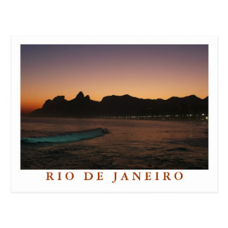Coucher du soleil carte postale dans Rio de Janei
