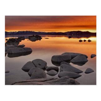 Coucher du soleil de la plage du mâle, le lac carte postale