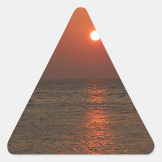 Coucher du soleil de la Sardaigne Sticker En Triangle