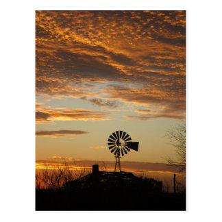 Coucher du soleil de moulin à vent carte postale