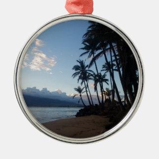 Coucher du soleil de palmier ornement rond argenté