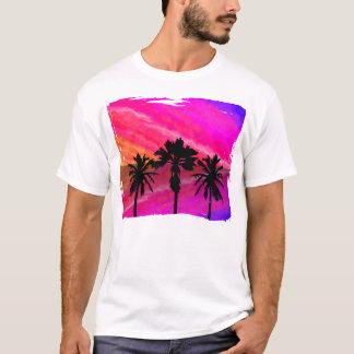 Coucher du soleil de trois paumes t-shirt