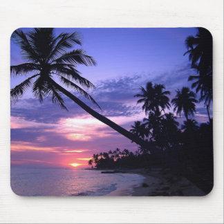 Coucher du soleil d'île tapis de souris