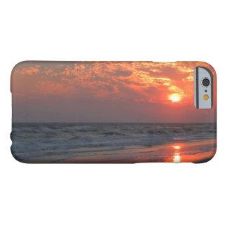 Coucher du soleil d'océan - île de chêne, OR Coque iPhone 6 Barely There