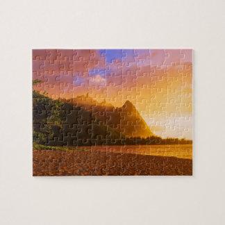 Coucher du soleil d'or de plage, Hawaï Puzzle