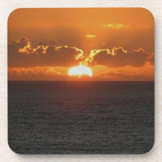 Coucher du soleil du sud .3. d'Autunm de roche de Dessous-de-verre