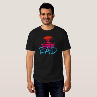 Coucher du soleil et palmiers de rad t-shirt