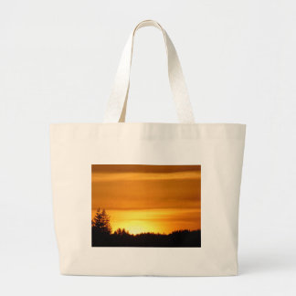 Coucher du soleil très orange grand sac