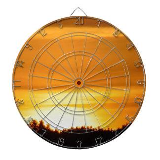 Coucher du soleil très orange jeux de fléchettes