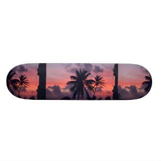Coucher du soleil tropical brillant skateboard 19,7 cm