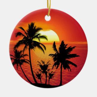 Coucher du soleil tropical de plage d'été de ornement rond en céramique