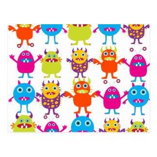 Coup drôle coloré de créatures de partie de cartes postales