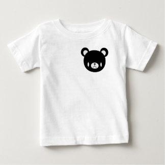coupez le T-shirt d'ours