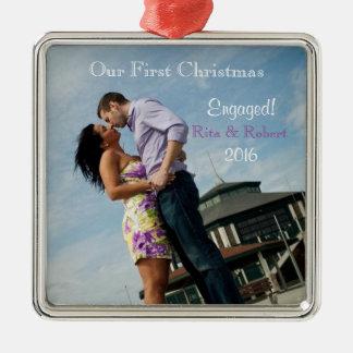 Couples de l'ornement   dans premier Noël de Ornement Carré Argenté