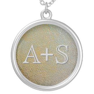 Couples d'initiales d'amour décorés d'un monogramm pendentif rond