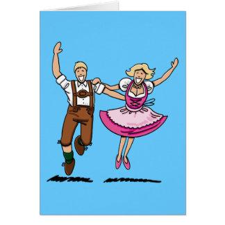 Couples heureux d'Oktoberfest de carte de voeux
