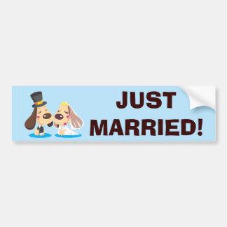 Couples mariés de chien autocollant pour voiture
