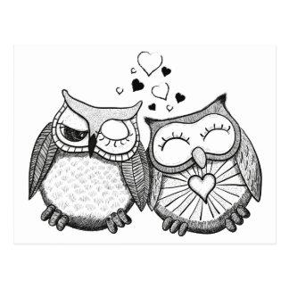 Couples mignons de hibou carte postale