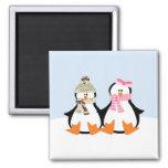 Couples militaires de pingouin aimant