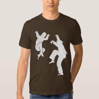 Coups de pied des techniques t-shirts