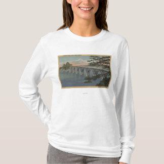 Courbure du nord, Orégon - vue de pont de baie de T-shirt