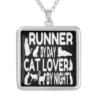 Coureur d'amoureux des chats pendentif carré