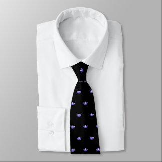 Couronne pourpre de Mlle Amérique et cravate des