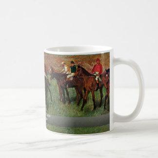 Course de cheval avant le début par Edgar Degas Mug