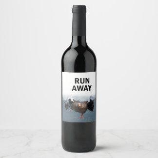 Course loin étiquette pour bouteilles de vin