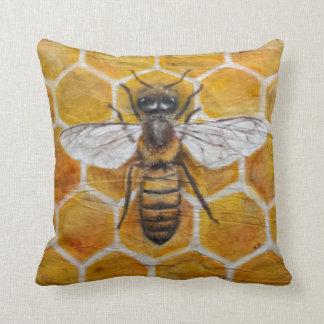 Coussin Abeille peinte à la main authentique de miel de