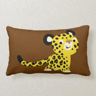 Coussin amical de léopard de bande dessinée mignon