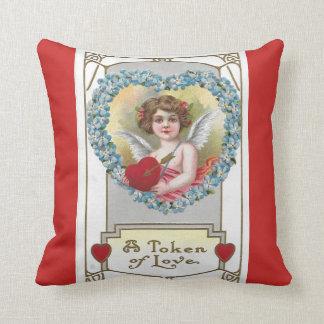 Coussin Ange 1910 de fille de cru avec le coeur bleu de