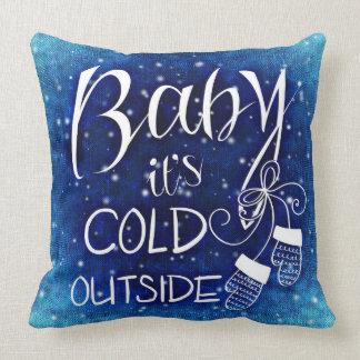 Coussin Bébé c'est carreau extérieur froid de typographie