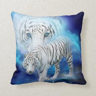 Coussin blanc de concepteur d art de lune de tigre