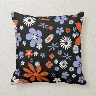 Coussin Bleu classique et l'orange fleurit le carreau