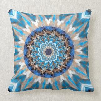 Coussin bleu de kaléidoscope