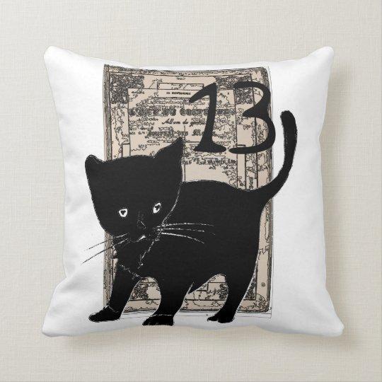 Coussin carré chat noir 13