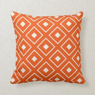 Coussin carré de motif dans l'orange