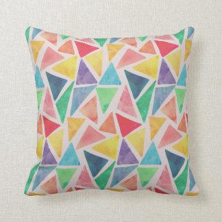 Coussin Carreau abstrait des triangles | d'aquarelle