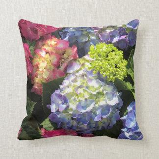 Coussin Carreau coloré de fleur d'hortensia