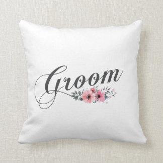 Coussin Carreau floral de rose simple et élégant de marié