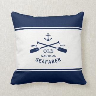 Coussin Carreau nautique de bleu marine et blanc