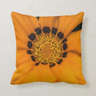 Coussin Carreau orange unique de macro de fleur
