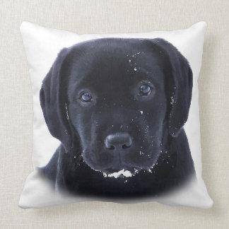Coussin Chiot de neige - Labrador noir