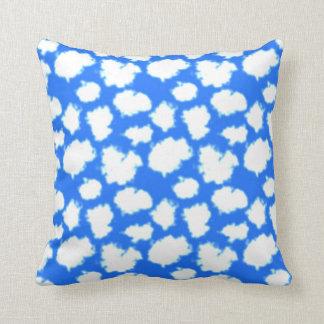 Coussin Ciel bleu et nuages blancs gonflés