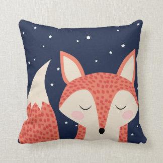 Coussin Ciel nocturne et étoiles de renard rouge d'art de